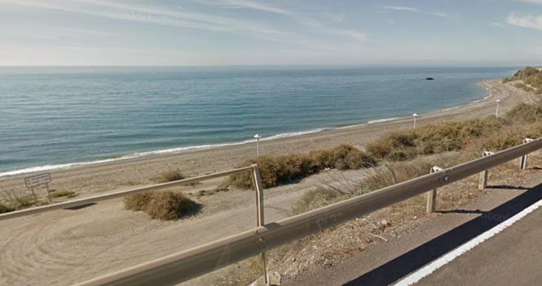 Playa de la Rana para perros en Adra