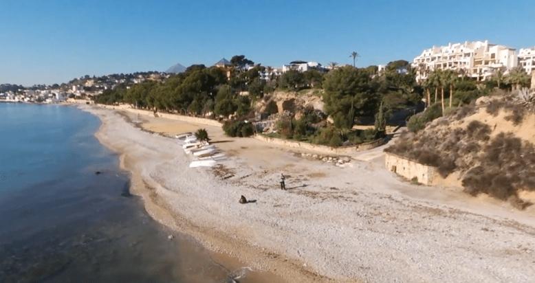 Playa para perros Mar y Montaña