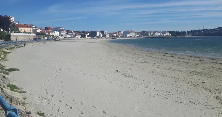 playa canina de Ares a Coruña